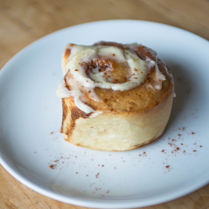 Cinnamon Roll, Sweet, Pastry, Icing, Roll, Baked