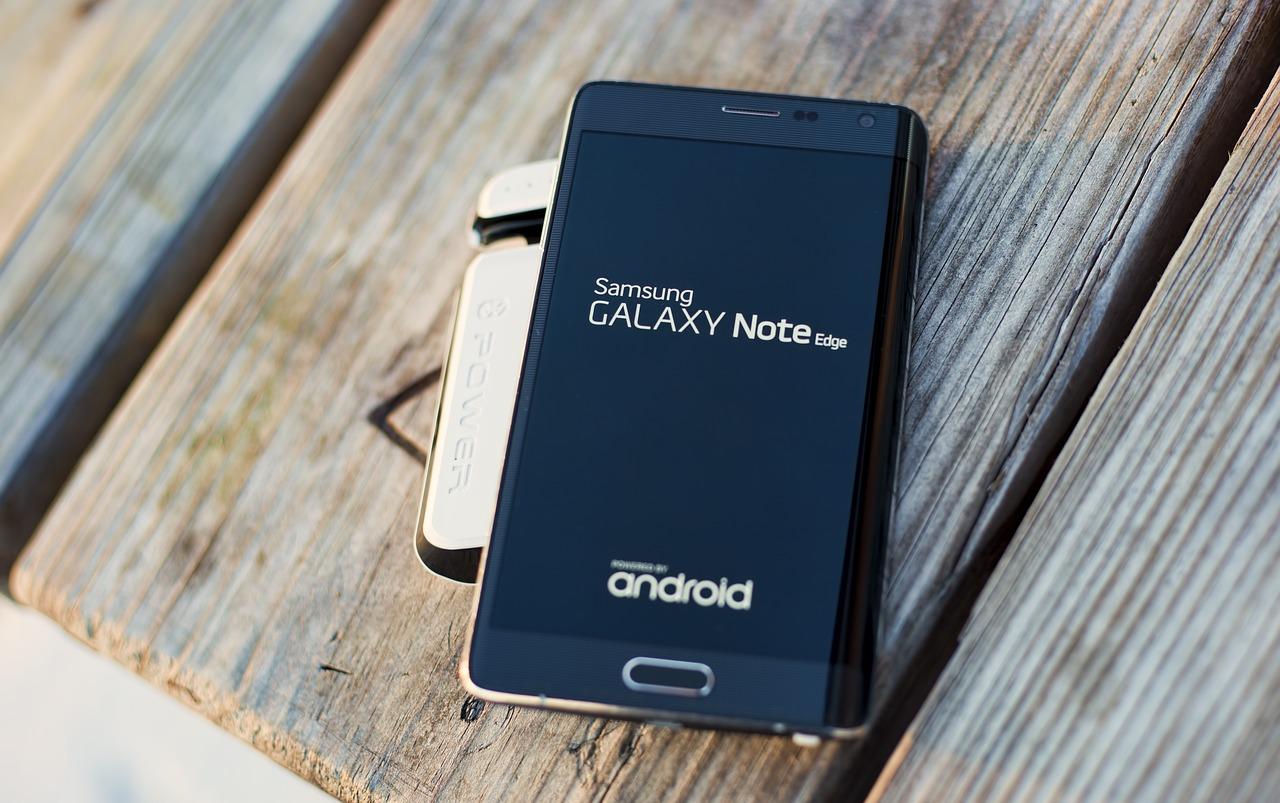 Critiques et évolutions des batteries de Samsung Galaxy