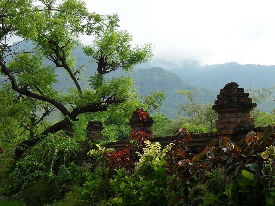Pemuteran, Bali, Montagnes, Saison Des Pluies