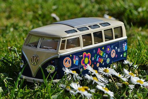 Vw Bulli Meadow Peace Vw Bus Volkswagen Ca