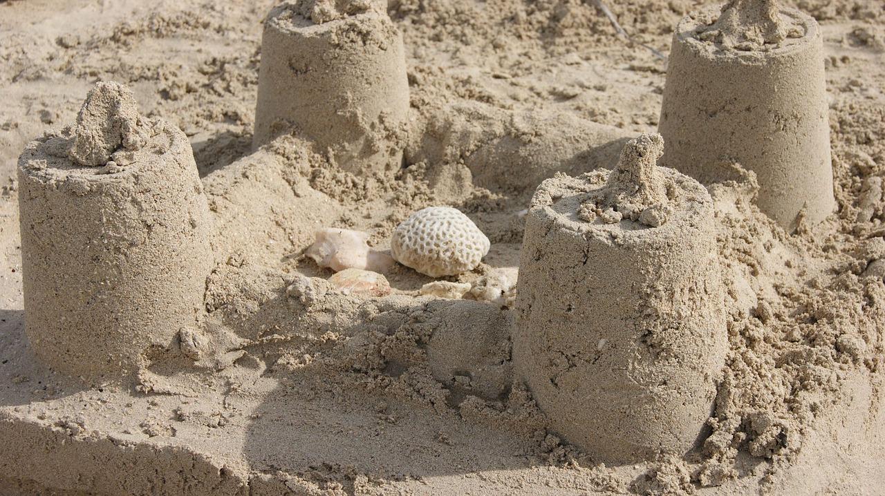 куличики из песка картинки девушки