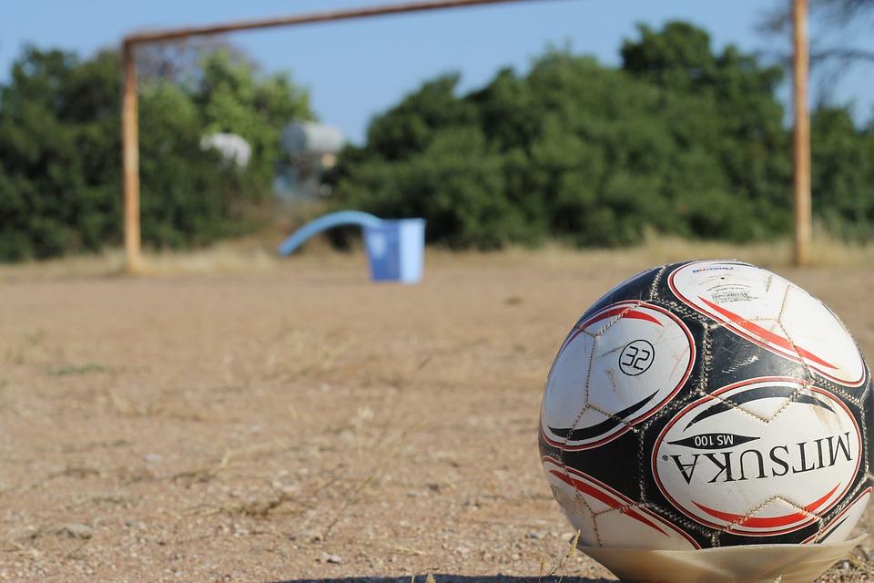 Fútbol, Campo De Fútbol De Tierra, Mitsuka, Penalti