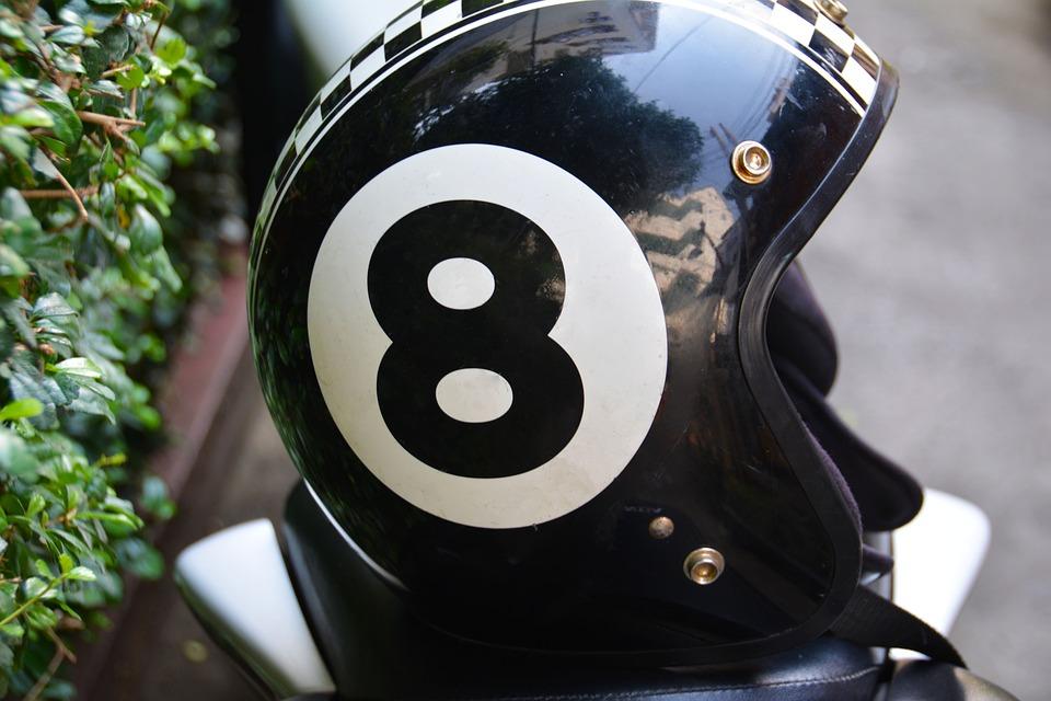 バイク用ヘルメットの選び方|排気量別/タイプ別/メーカー