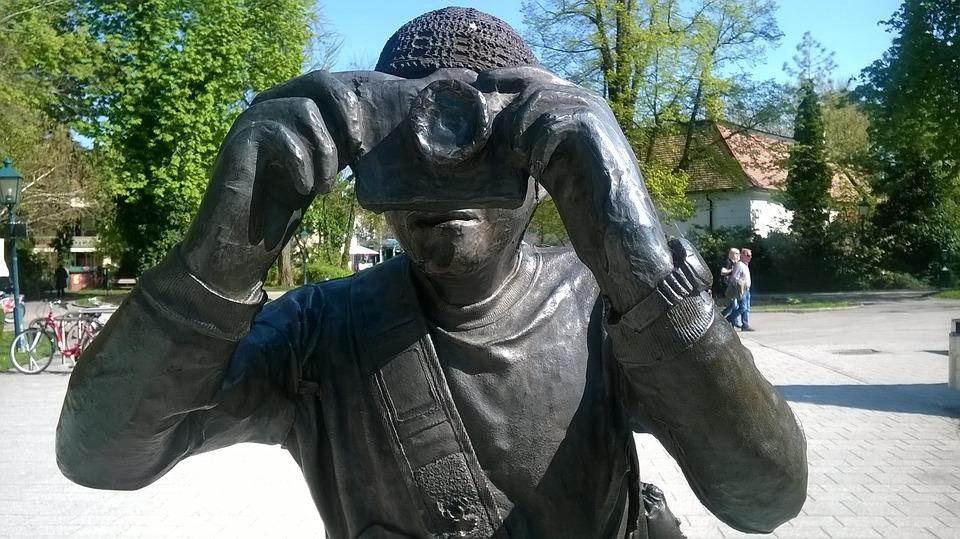 sculpture-1324042_960_720.jpg