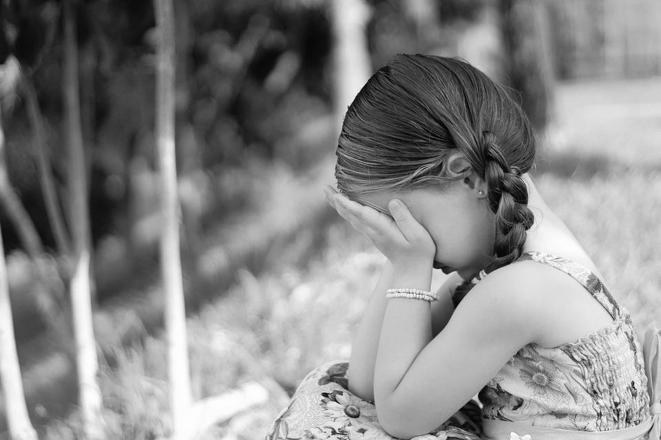 悲しみ, 叫び, 式, 小さな女の子
