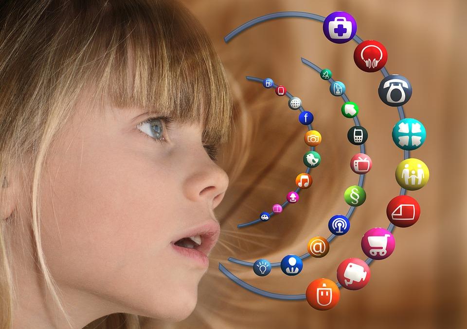 lien entre les médias sociaux et la santé mentale.