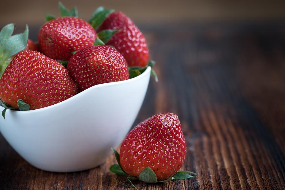 12種「最髒水果」出爐!草莓蟬聯5年,蘋果、番茄也上榜