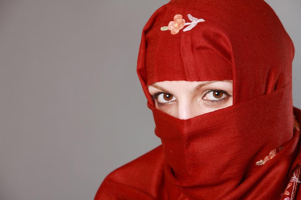 ইসলাম কাকে ঠকালো? পুরুষকে না নারীকে?