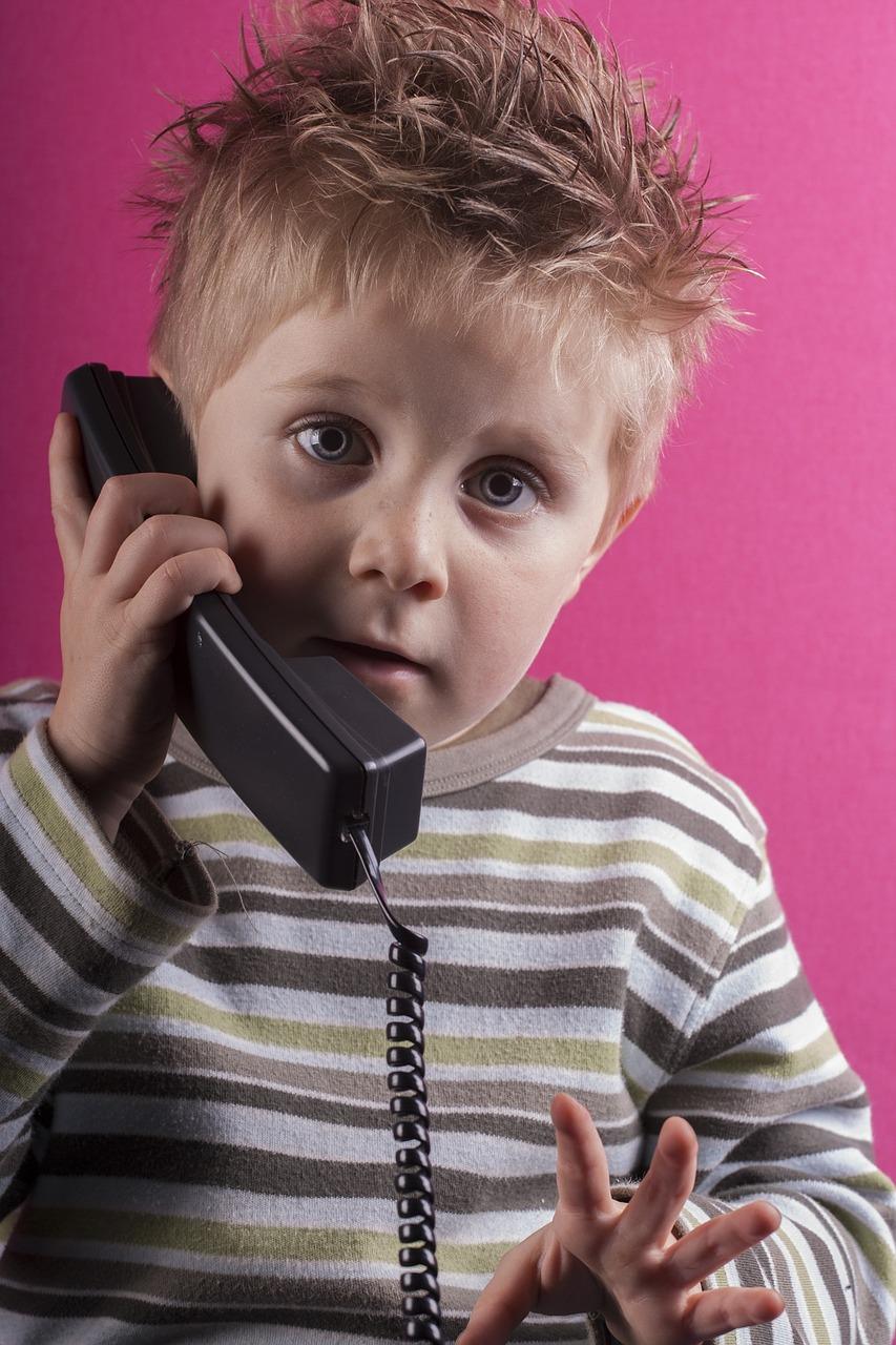 традиционное картинки звонящих по телефону люблю