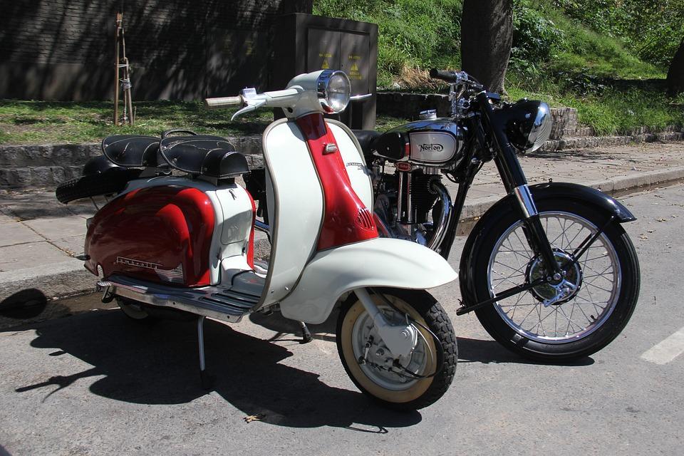 Photo gratuite moto vieux v hicule scooter image for Ouvrir garage moto
