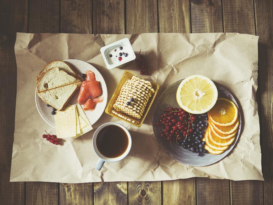 食品, 朝食, 栄養, 皿, おいしい, 役に立つ, 味, プレート, ホーム, 使用, パン, 健康食品