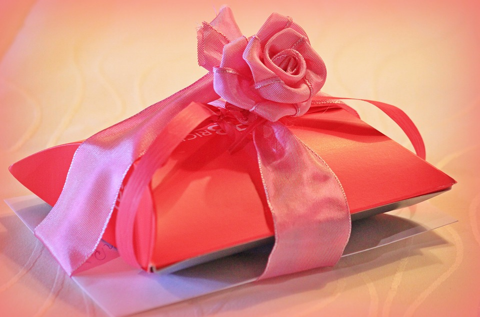 Free photo gift gift packaging loop rose free image on gift gift packaging loop rose packaging give negle Images