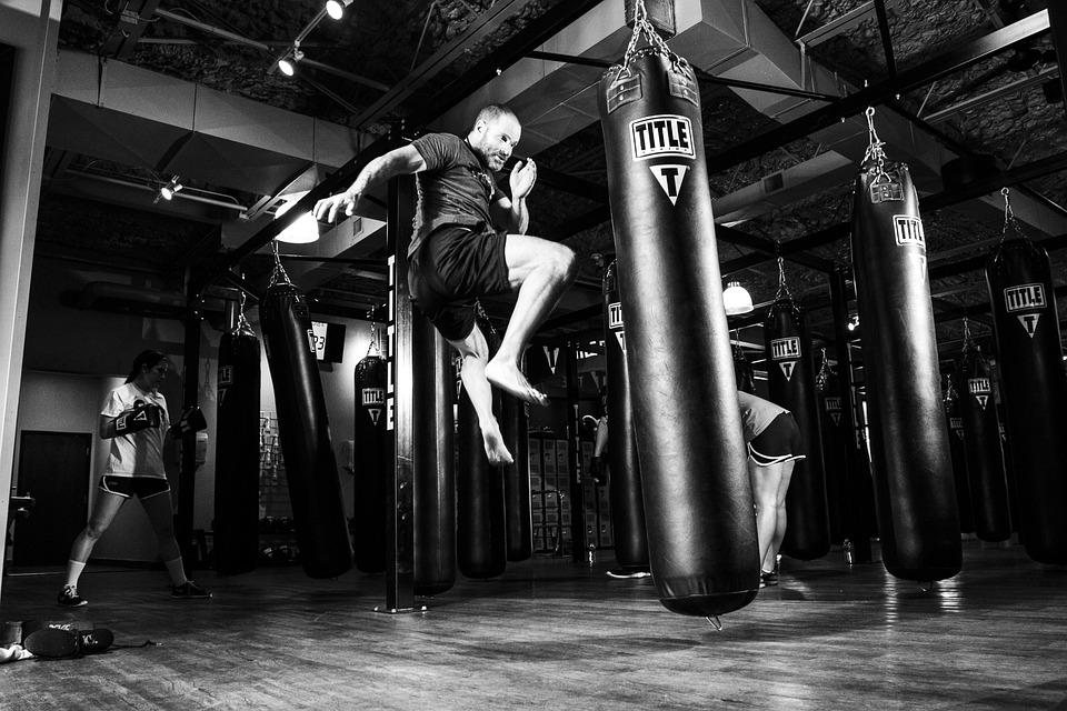 空手道, 総合格闘技, トレーニング, 運動, スポーツ, ベルト, 戦い, 男, 戦闘機, 戦闘, 攻撃