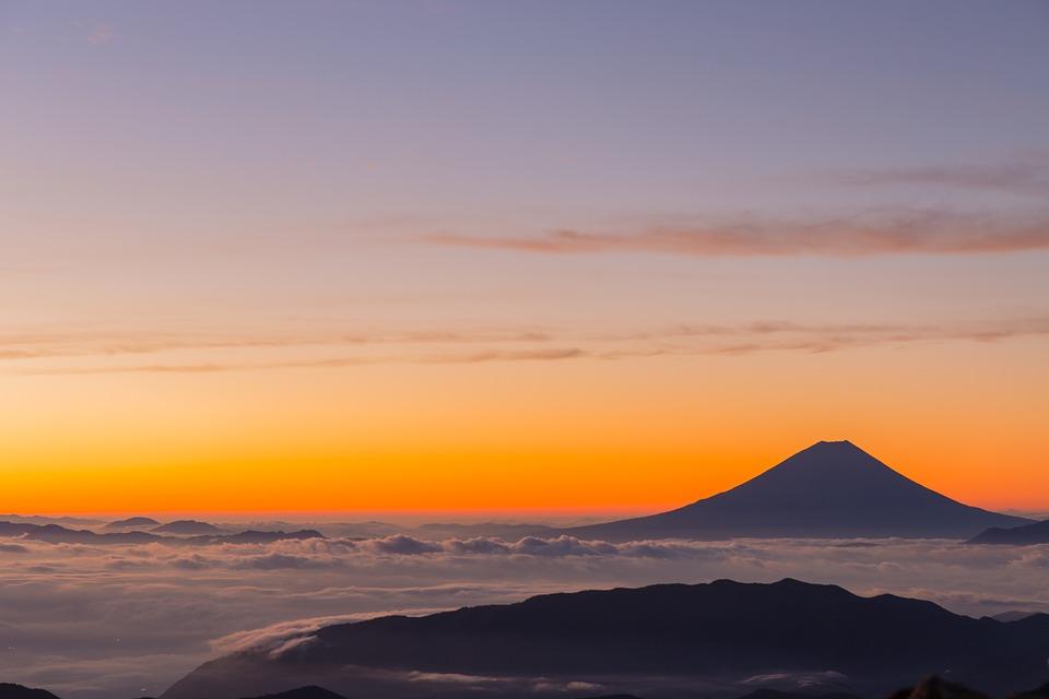 富士山, 火山, 雲, 日の出, 雲の海, 朝, オレンジ色の空, 空, シルエット, 風景, 山