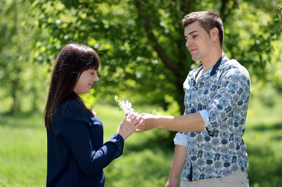 Как познакомиться с девушкой на улице практические приемы и фразы