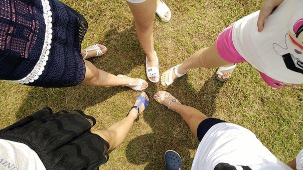 Friends, Feet, Legs, Women, Compare