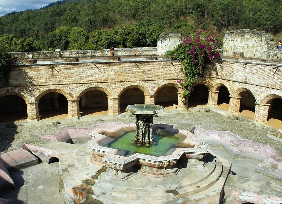 Gwatemala, Antigua, Klasztor, Merced, Fontanna