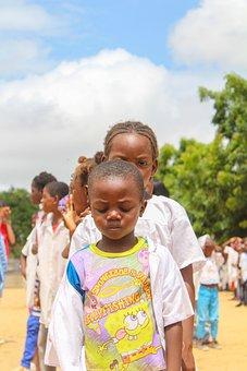 Junge nackte afrikanische Mädchen