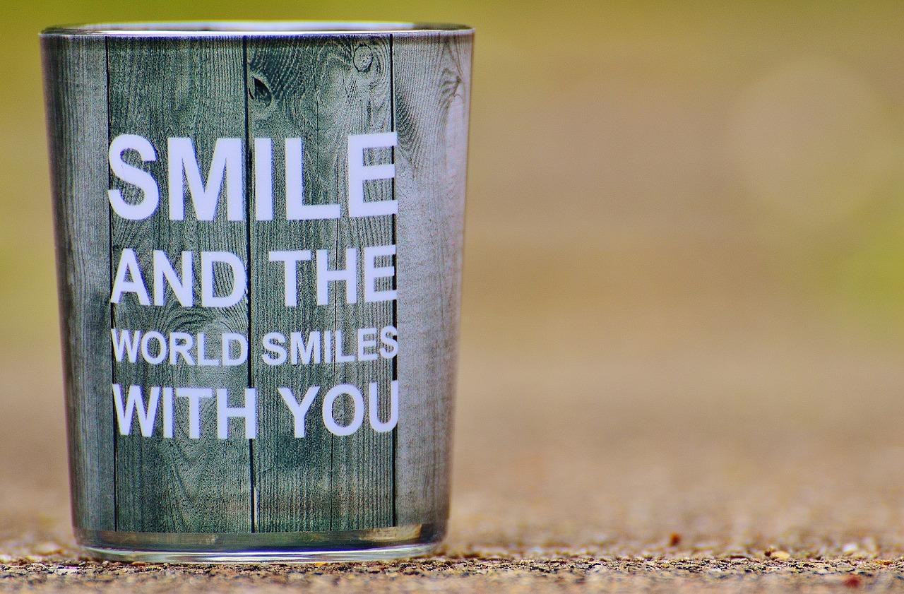 笑顔, 喜び, 幸せです, 良い気分, 陽気な, 感情, 満足度, 運, 人生の喜び, 笑う