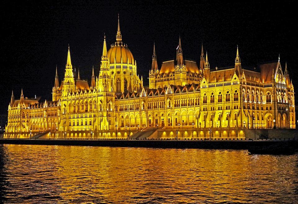 Результат пошуку зображень за запитом будапешт парламент вечером hd