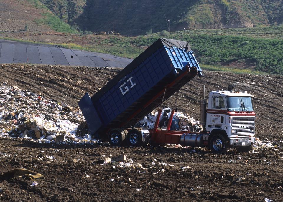 Бизнес на мусоре с нуля заработок на переработке вывозе и хранении мусора