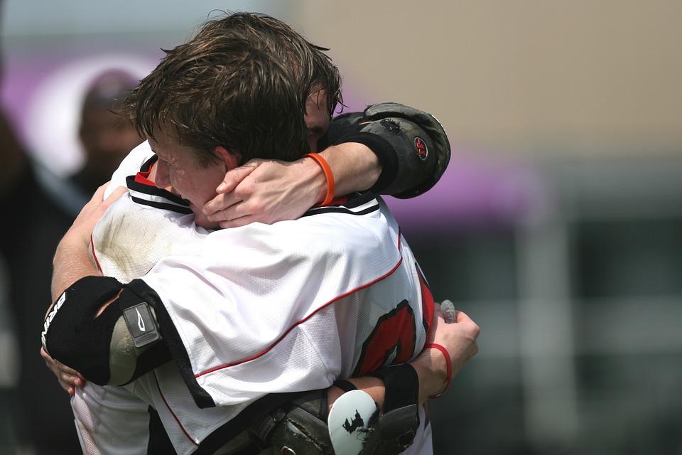 ラクロス, チャンピオンズ, 受賞者, 感情, 抱擁, 勝利, 祝う, 成功, ゲーム, 選手権