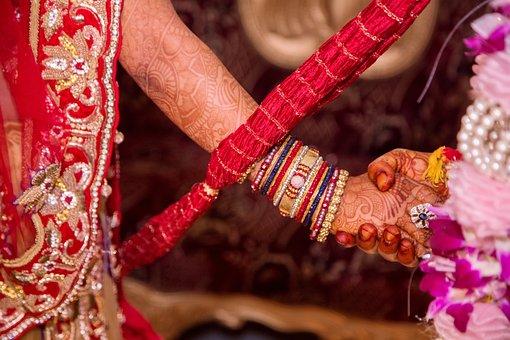 Holding Hands, Relationship