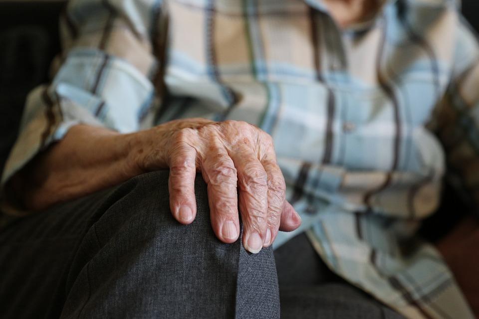 Руки 104 Лет Пенсионер - Бесплатное фото на Pixabay