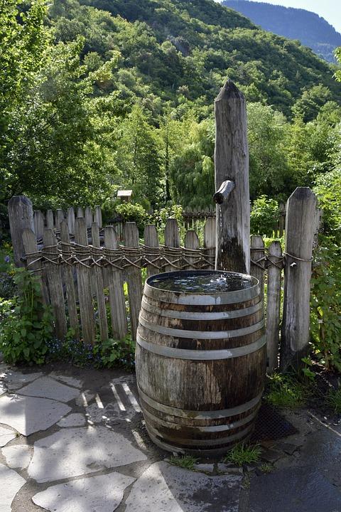 Brunnen Holzfass Garten Wasserfass Dekoration