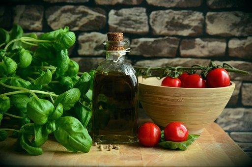 Oliiviöljyä, Tomaatit, Basilika, Syödä