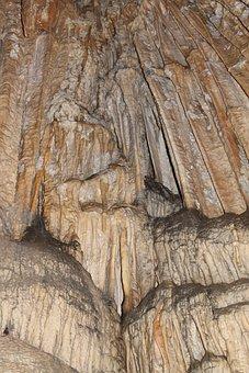 Cuevas De Doncellas, Estalactitas