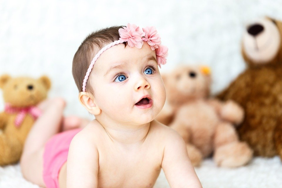 Baby Mädchen Teddybären Kostenloses Foto Auf Pixabay