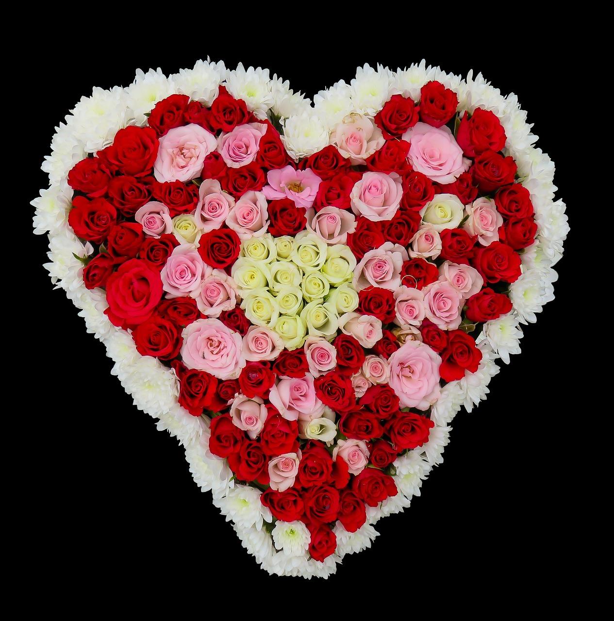 Картинка с сердцем из цветов