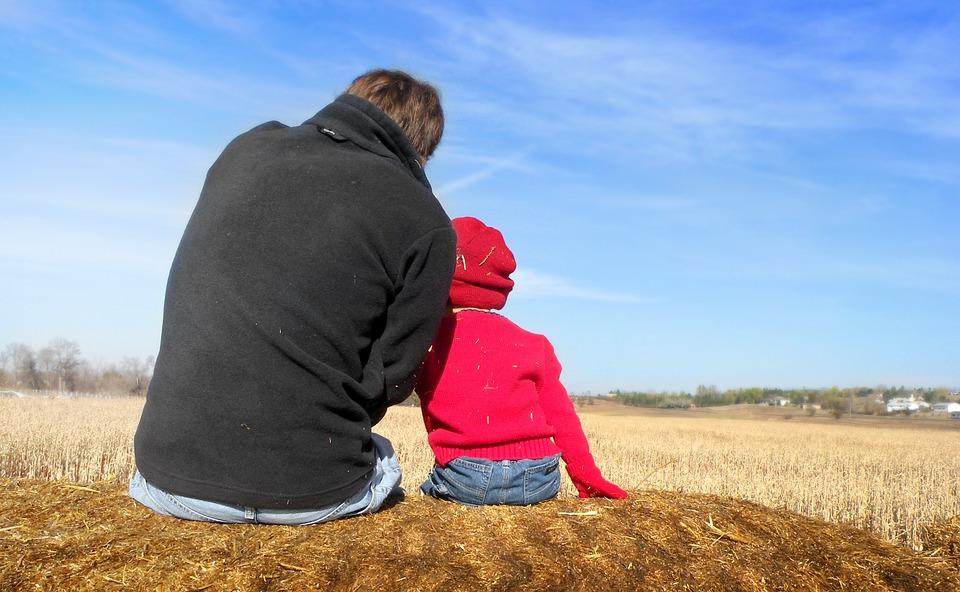 Отцы и дети кто кого должен воспитывать