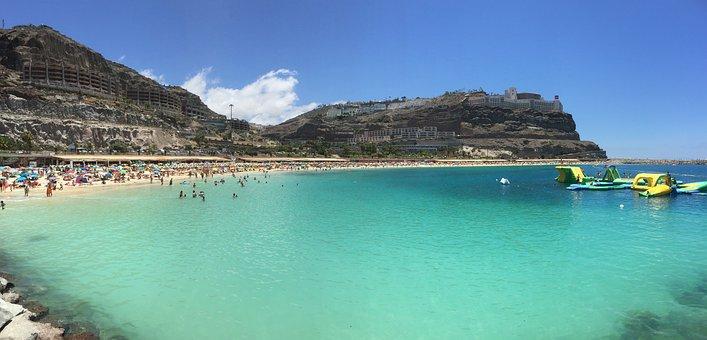 Qué ver qué hacer en Canarias. Vista de Playa Amadores, Gran Canaria