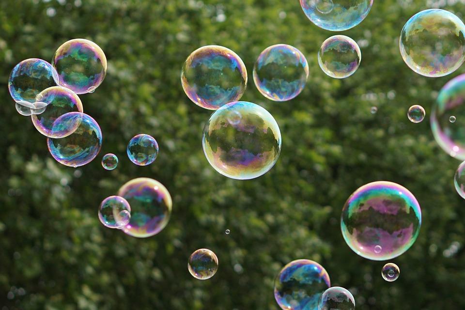 soap bubbles green farbenspiel · free photo on pixabay