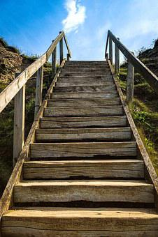 Escaleras, De Distancia, Poco A Poco