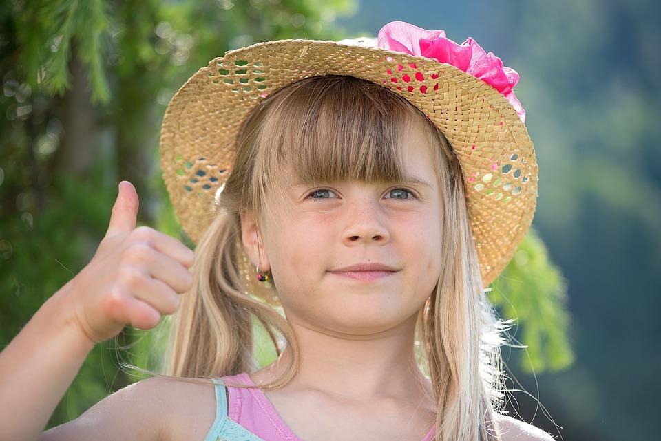 74 Gambar Anak Kecil Acungkan Jempol Gratis Terbaik