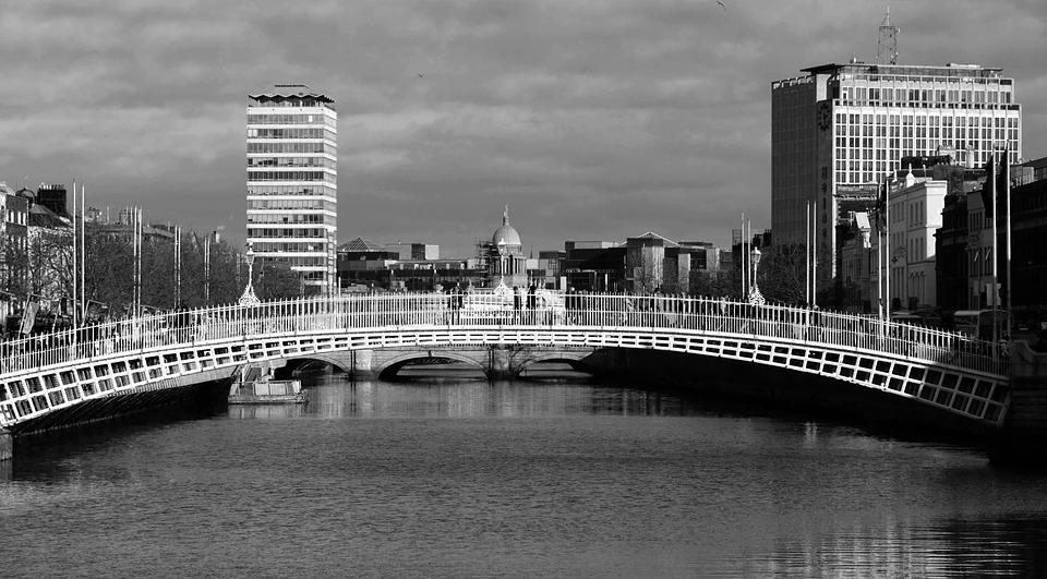 Dublin Ha Penny Bridge 183 Free Photo On Pixabay