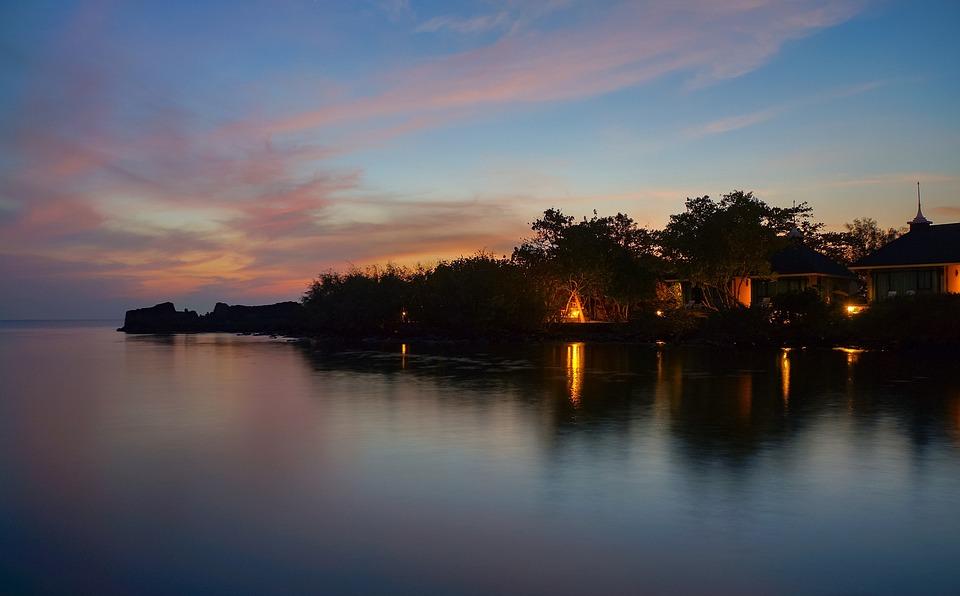 Haus am meer bei sonnenuntergang  Kostenloses Foto: Sonnenuntergang, Meer, Haus - Kostenloses Bild ...