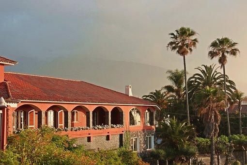 Villa, Spanish, Characteristic