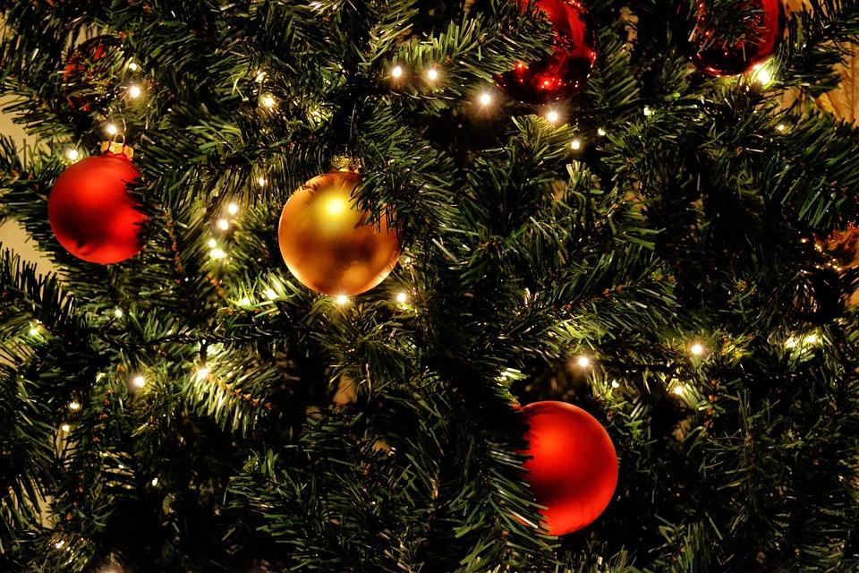 christmas tree lights balls red gold holiday tree - Gold Christmas Tree Lights