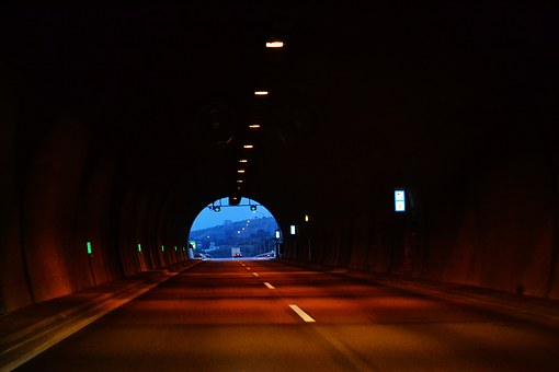 Tunnel, Light