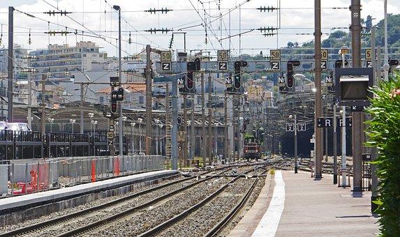 Railway Station, Nice, Tunnel