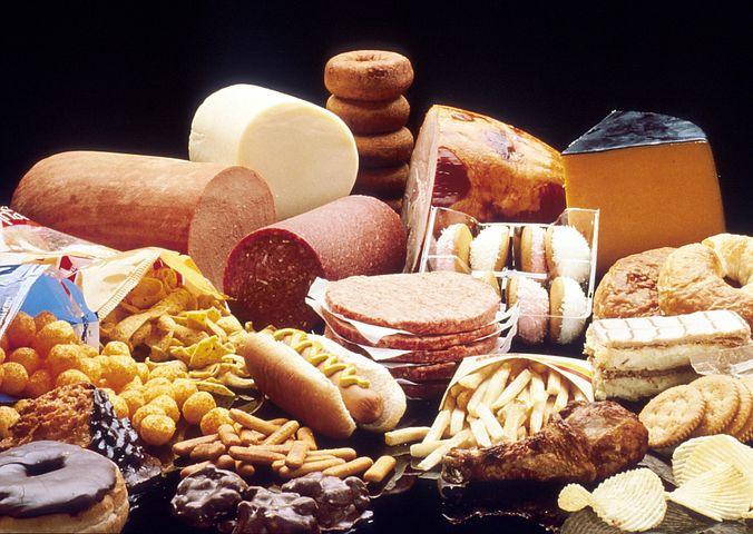 脂肪食品, ペストリー, チーズ, チョコレート, デリカテッセン