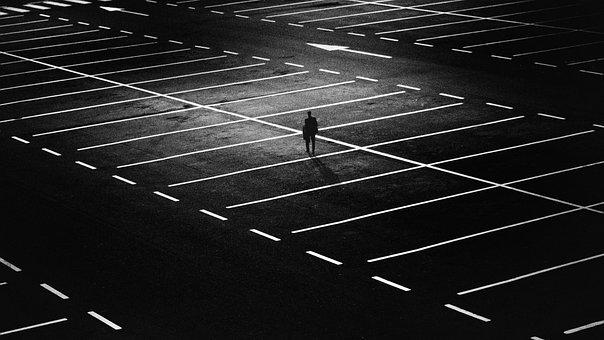 駐車場, 男, 市, 人, だけで, 孤独です, ライト, 暗澹たる, 泊, 夜