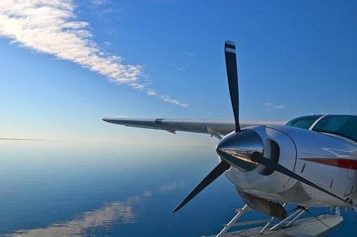 travel great barrier reef by seaplane