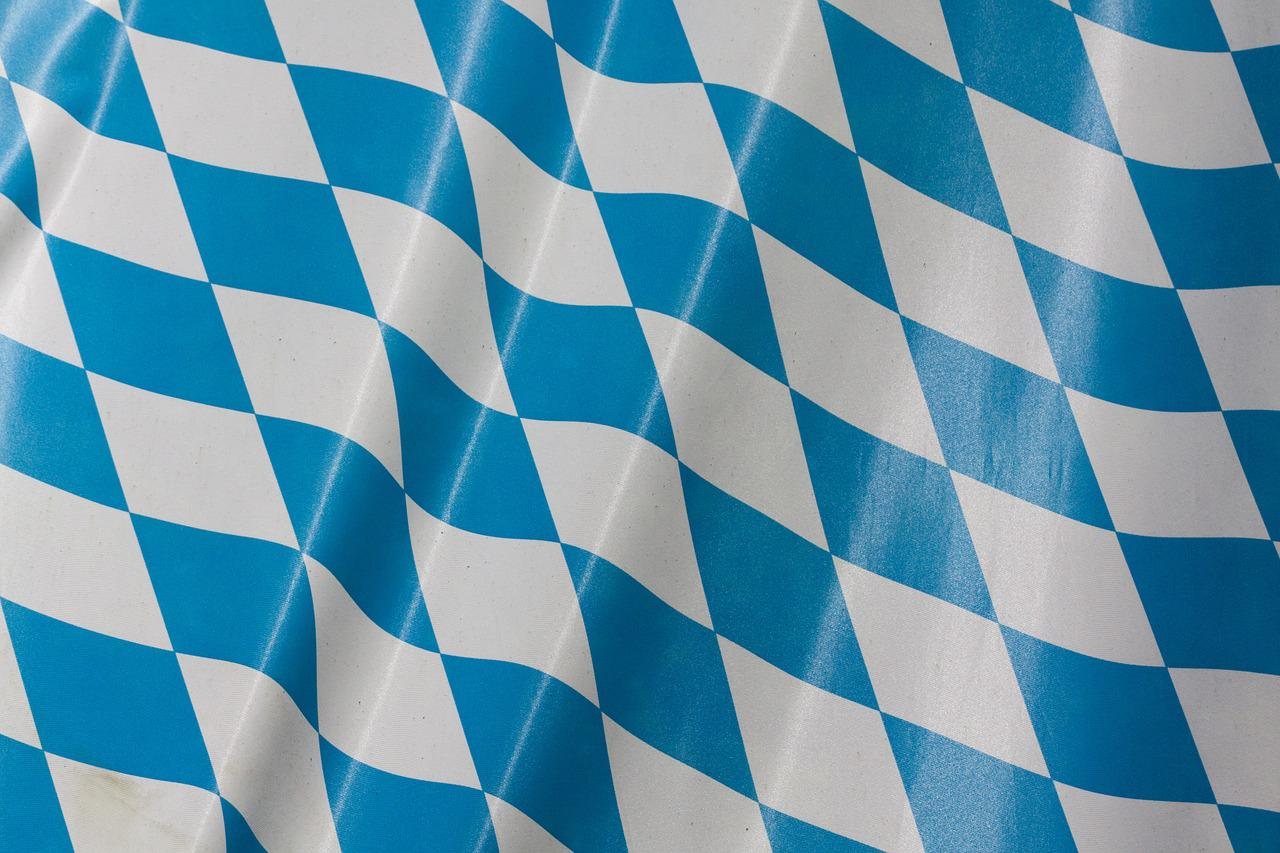 бело-синий флаг картинка бывает так
