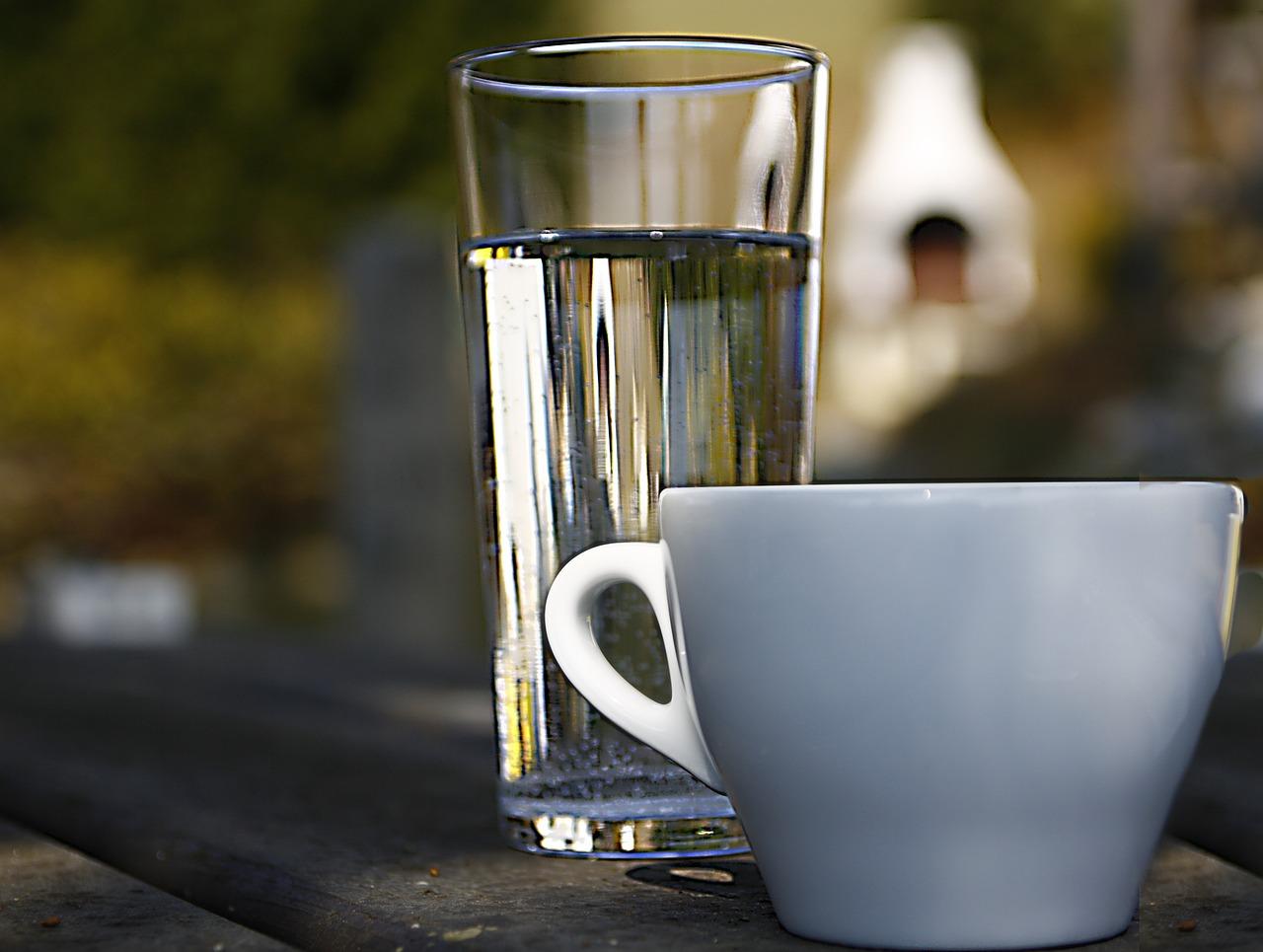 стаканчике кофе и вода картинка называли культовым пролетарским