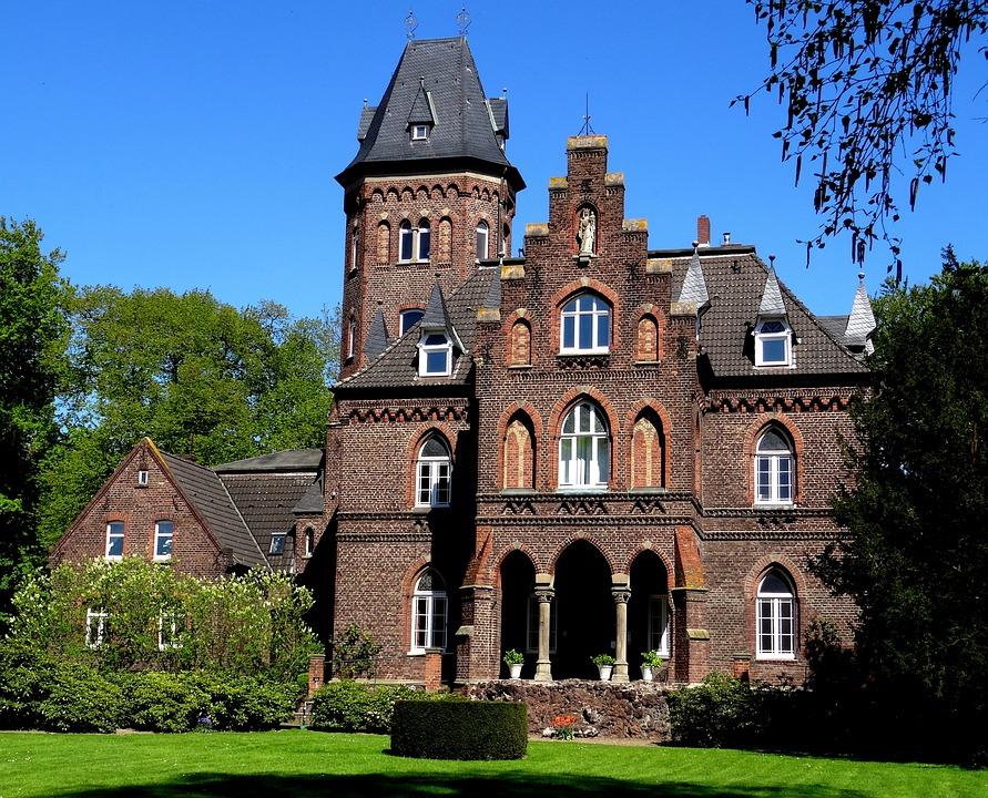 Monheim Am Rhein Malbork Castle · Free photo on Pixabay